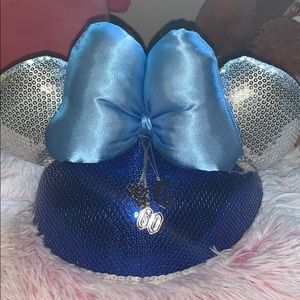 Disney 60th anniversary hatbox with 3  charms